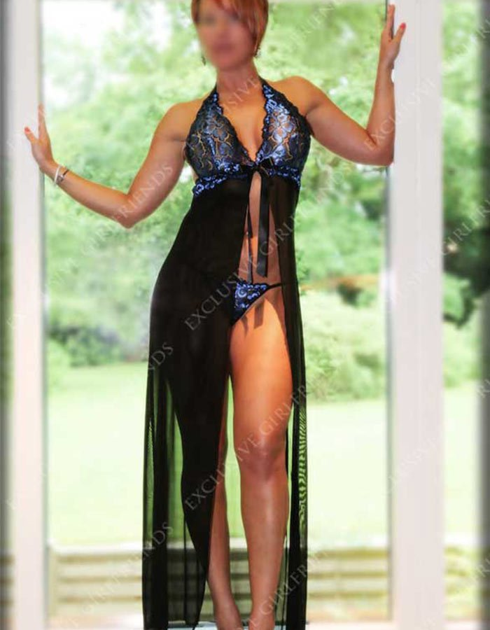 Lucy electric blue and black, negligee