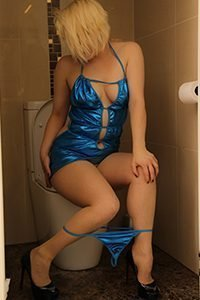 Young Independent escort Courtney in electric blue