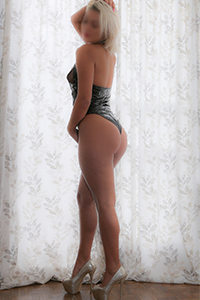 A stunning side shot of blonde escort Carmen